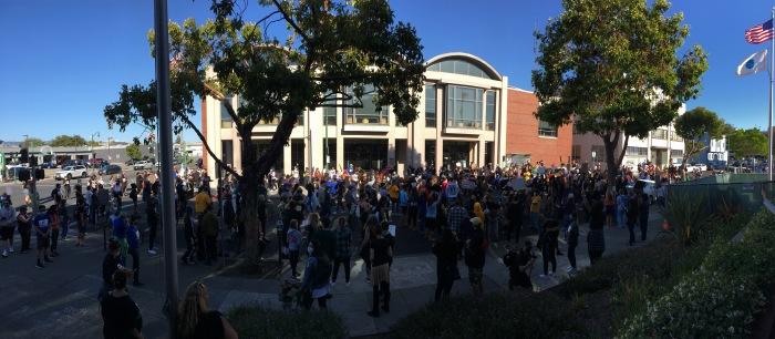 Alameda dancing protest